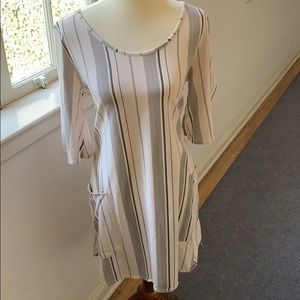 B&w striped smock dress - never worn size M